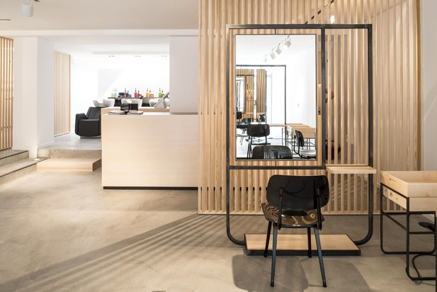 am nagement salon de coiffure par atelier dynamo journal du design. Black Bedroom Furniture Sets. Home Design Ideas